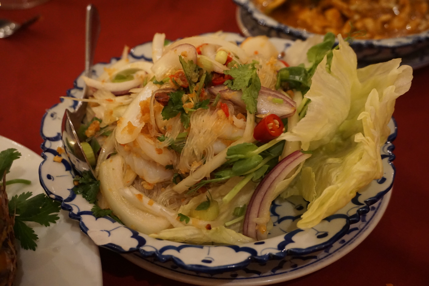 Green bean vermicelli salad with seafood