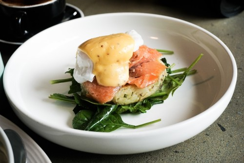 Chive + potato rosti w smoked salmon ($19)