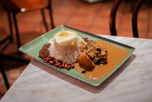 Curry chicken nasi lemak ($10.80)